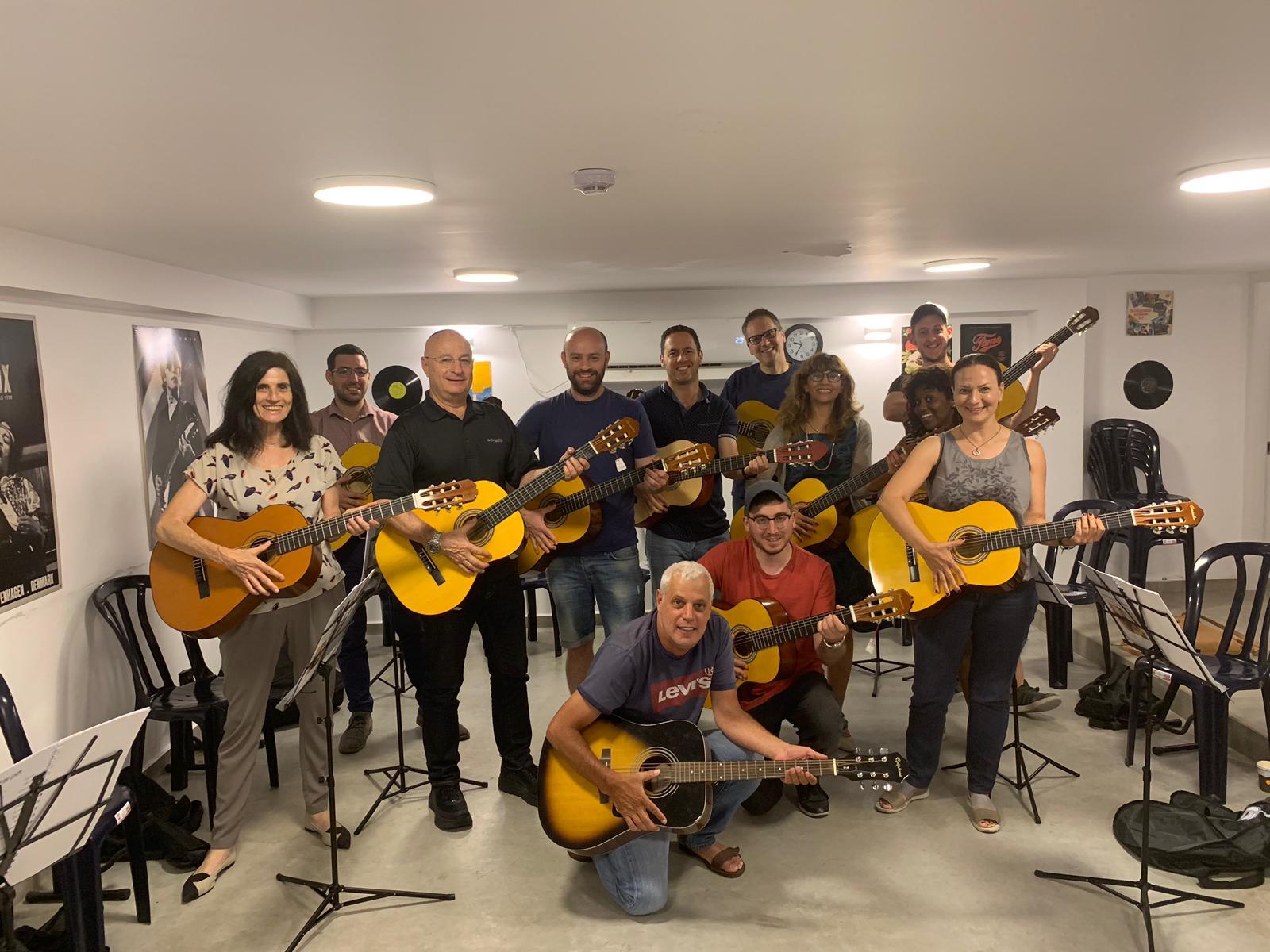 מורה לגיטרה בחיפה